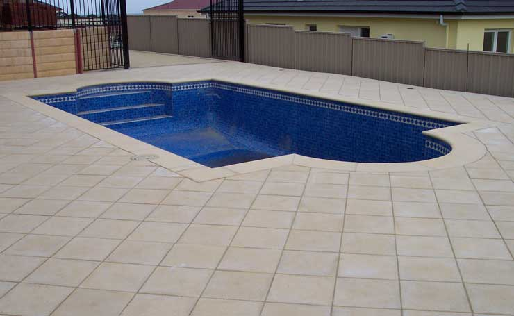 Retaining walls paving gulfview heights for Paver installation adelaide