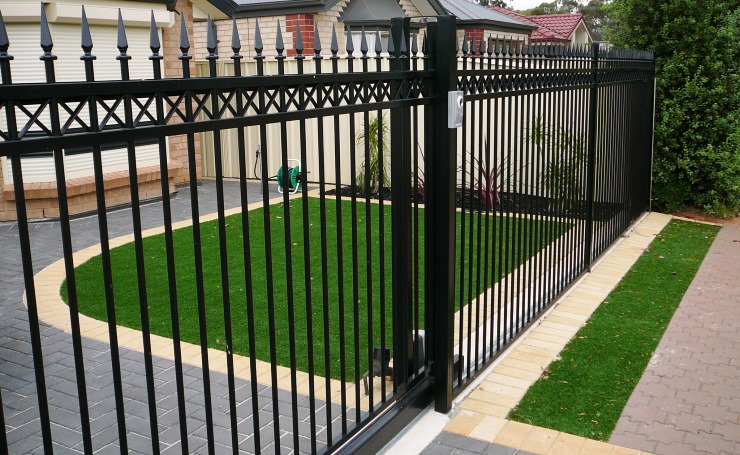 Fence types adelaide residents can select from to erect for Residential landscape design adelaide