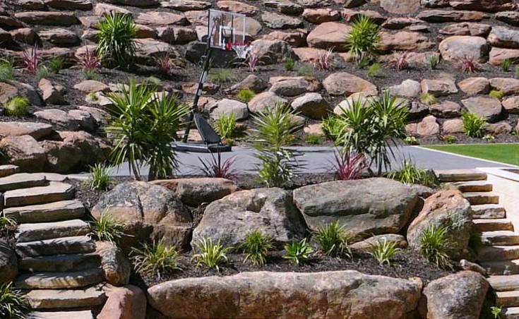 Moss rock retaining walls adelaide using adelaide moss rocks for Paving and landscaping adelaide