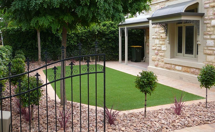 Luxurious low maintenance garden landscape design thorngate for Low maintenance lawn design