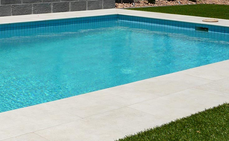Paving Around Pools Using Concrete Brick Stone Pavers