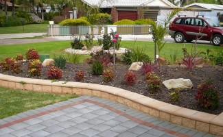 Landscaping Ideas For Front Gardens: Raised Garden Bed Concrete Block Retaining  Wall