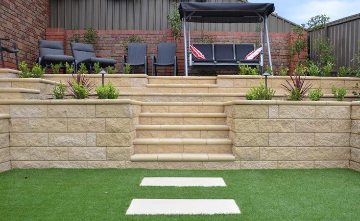 Concrete block retaining walls adelaide design examples for Split level garden designs