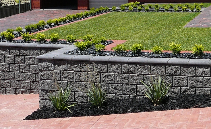 Concrete block retaining walls adelaide design examples for Retaining wall contractors adelaide